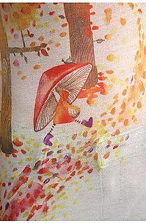 Fall tee detail