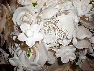 Jen wedding cake details